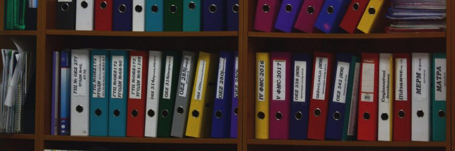 Document folders on the shelves